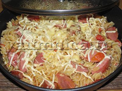 макароны с колбасой и сыром рецепт