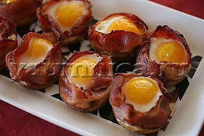 Яйца в чашечках из бекона рецепт