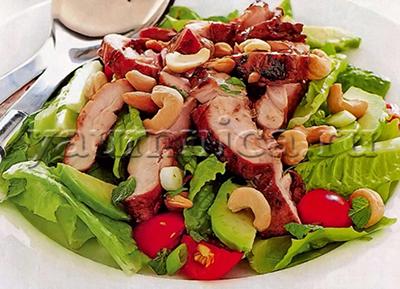 Салат с курицей и авокадо рецепт