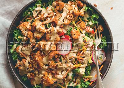 Пряный салат из цветной капусты рецепт