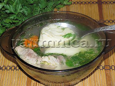 Мясной суп с чесночными рулетиками рецепт