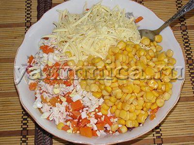 салаты с консервированной кукурузой рецепты