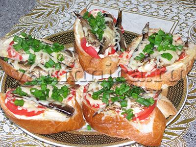 бутерброды со шпротами фото