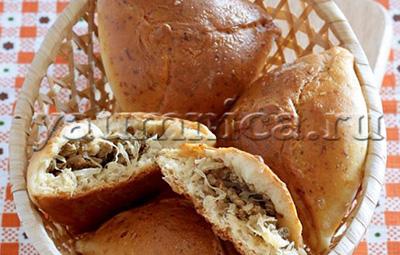 Простой рецепт вкусных домашних пирожков с мясом и капустой