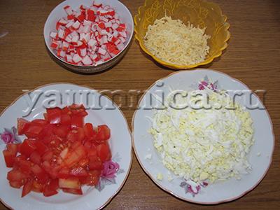 как приготовить салат с крабовыми палочками